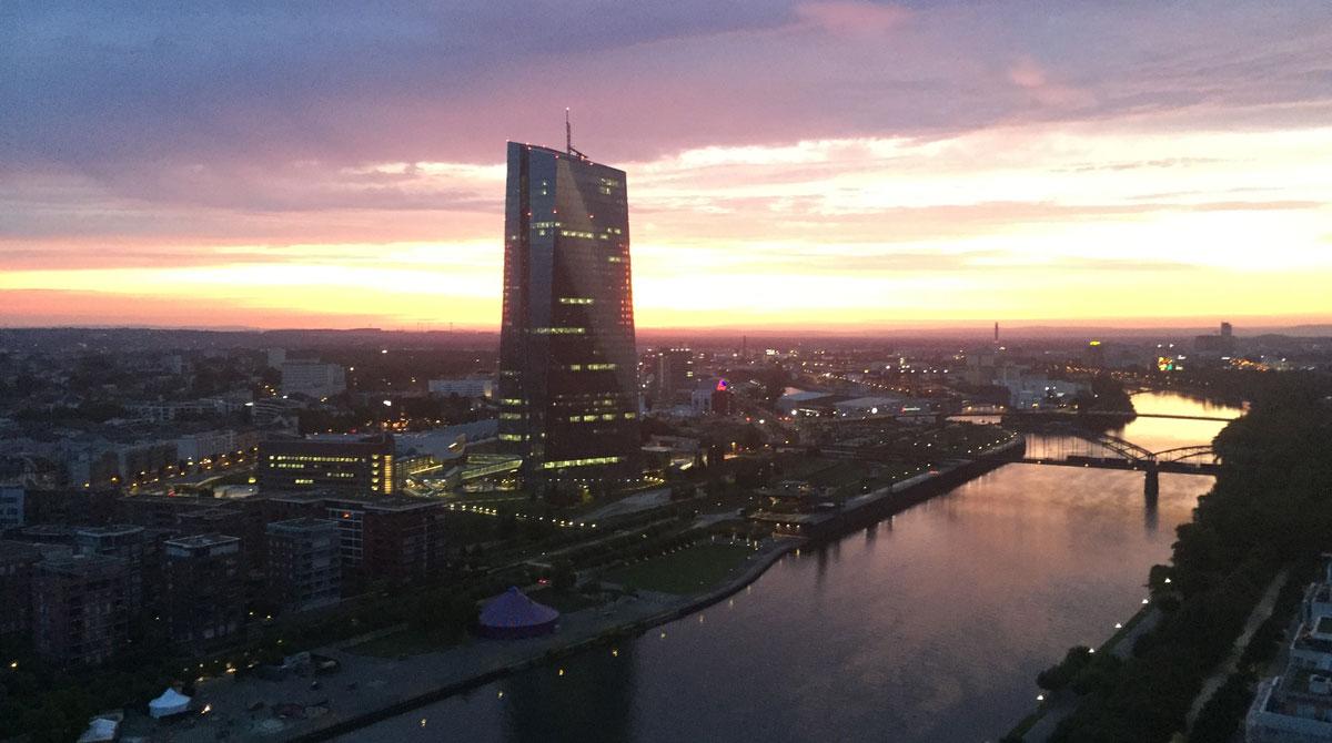 Aktuelle EZB-Sitzung: Verschärfte Strafzinsen und erneute Anleihekäufe