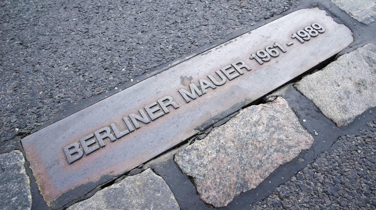 Denkmal Stele Berliner Mauer