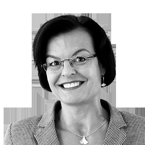 Karin Fuhrmann, Ihre Spezialistin für Baufinanzierung und Ratenkredit, Augsburg