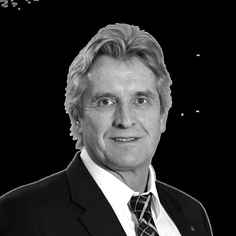 Uwe Mertinat, Ihr Spezialist für Baufinanzierung und Ratenkredit, Schwerin