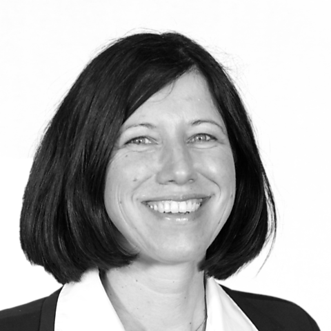 Monique Peinelt, Ihre Spezialistin für Baufinanzierung und Ratenkredit, Magdeburg