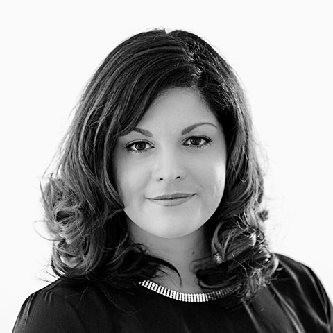 Lisa Adomat, Ihre Spezialistin für Versicherung und Ratenkredit, Berlin