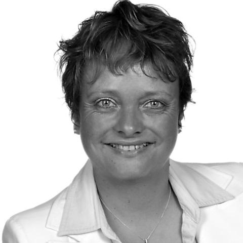 Silvia Barth, Ihre Spezialistin für Baufinanzierung und Ratenkredit, Bad Ditzenbach