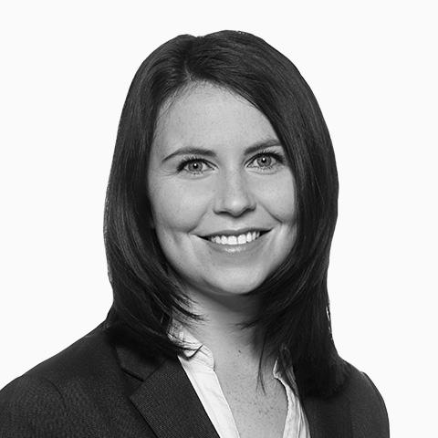 Katja Konradi, Ihre Spezialistin für Baufinanzierung und Ratenkredit, Elmshorn