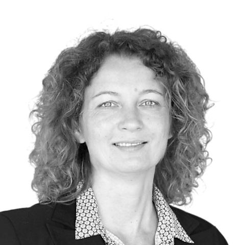 Christiane Maase, Ihre Spezialistin für Baufinanzierung und Ratenkredit, Dresden
